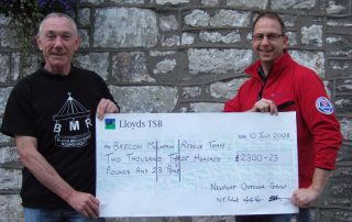 The 2008 Black Mountain Roundabout cheque presentation
